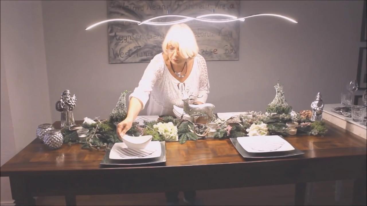 Weihnachtsdeko In Silber Und Weiß.Weihnachtsdeko Der Gedeckte Tisch In Weiß Und Silber