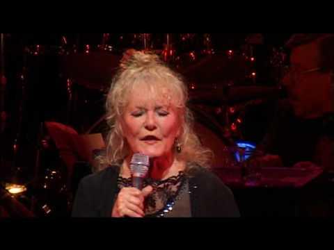 Petula Clark - La Nuit N'en Finit Plus (Live Olympia)