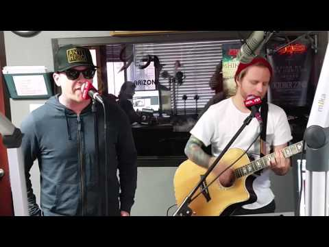 Shinedown - Sound of Madness (Live at 98KUPD Studio)