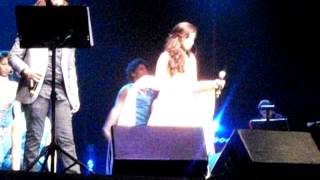 Shreya Ghoshal singing Saibo with Aan Milo Sajna LIVE in NJ