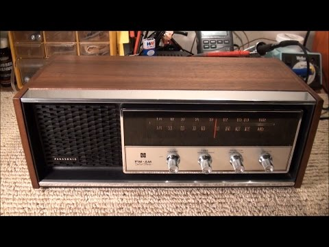 1970 Panasonic RE-7369 FM/AM Radio