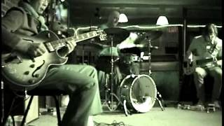 Santucci Trio - Tell Me A Bedtime Story