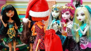 Monster High Draculaura and Toralei: A Special Christmas of a kitty (stop motion)