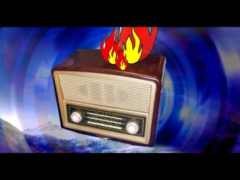 1950s Valve Radio First Switch On After Many Decades! Flames?