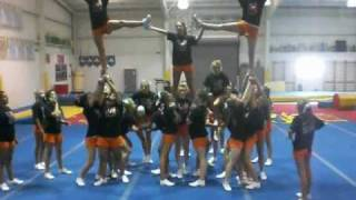 East High Cheerleaders Wolf Wall Pyramid