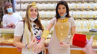 اخذت نارين واصالة لأكبر سوق ذهب في العالم