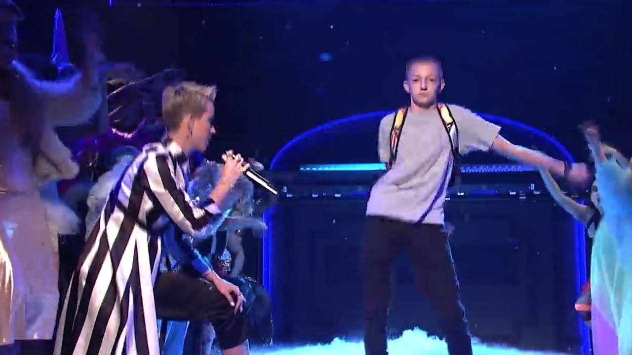 What Backpack Kid Is Doing Now After Upstaging Katy Perry On Snl Youtube