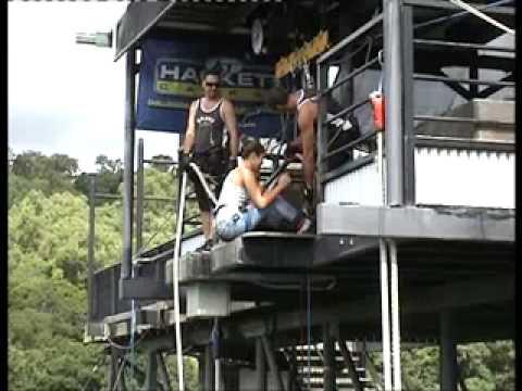 cuarto saltito de puenting de GEMMA en australia