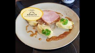Kasselerbraten mit Sauerkraut und Kartoffelpüree, Kasselerrücken, Kasseler, Braten, Geselchtes