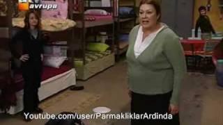 Parmakliklar Ardinda - Zerrin Yilmaz & Ziynet Kara - Jilet Sahnesi