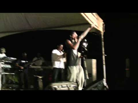 FIVE STEEZ performs
