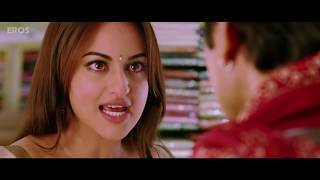 Repeat youtube video Sonakshi Sinha caught undressing - Rajkumar