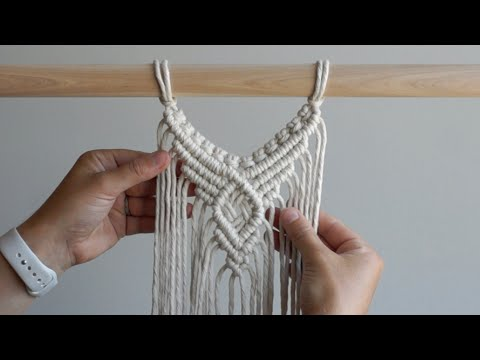 diy-macrame-tutorial:-centre-wall-hanging-pattern-using-double-half-hitch-knots!