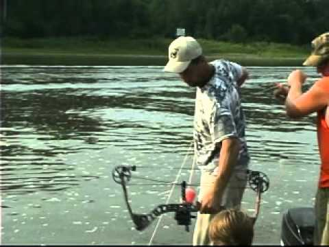 Relentless Pursuit - Bow Fishing for Asian Carp on the Illinois River - Part 106