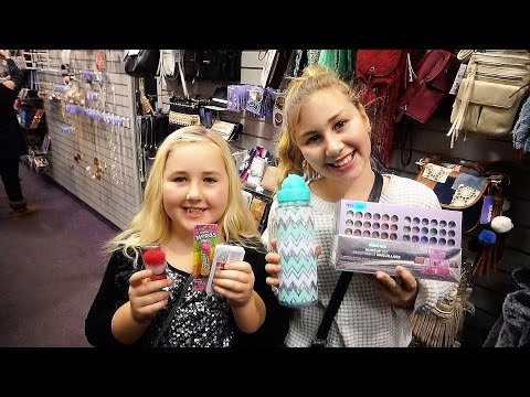 CHRISTMAS SHOPPING AT CLAIRES!!!! Day 736 (12/17/16)