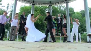 Лучшая танцующая свадьба shake it