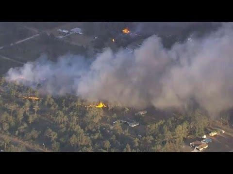 فِرق الإطفاء تصارع أكثر من 100 حريق في الولايات المتحدة الأمريكية  - نشر قبل 15 دقيقة