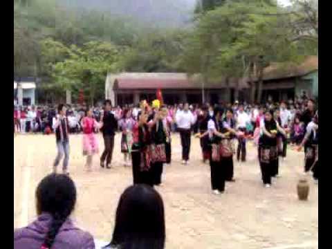 Múa xoè Thái tại Thuận Châu