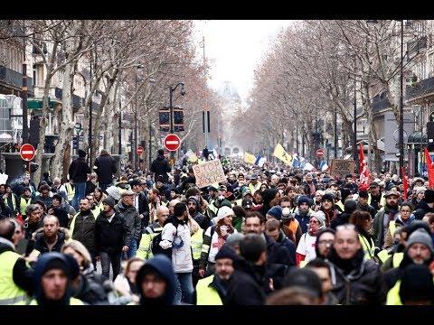 Los 'chalecos amarillos' protestan en París por noveno fin de semana consecutivo