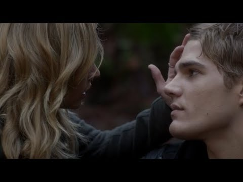 Download The Secret Circle: Jake and Cassie