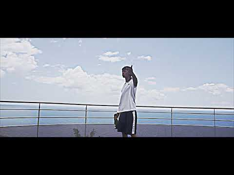 Youtube: TIITOF – MUY CALIENTE (DIR. BY SHAYNER)