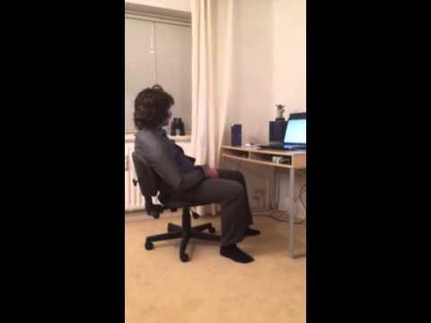 der stuhl quietscht youtube
