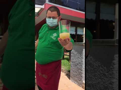 """Escanciando en Casa Cortina contra el coronavirus: """"Tu enriba, abaxu yo"""","""