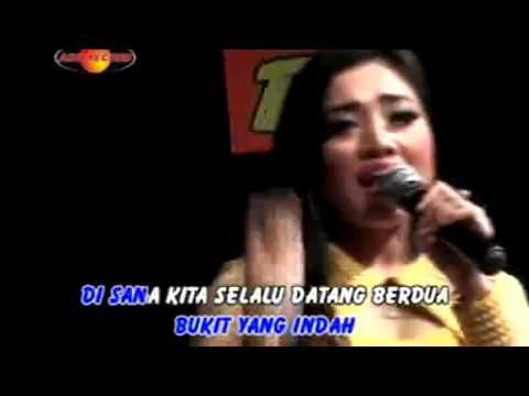 deviana-safara-bukit-berbunga-(lirik-dan-karaoke)
