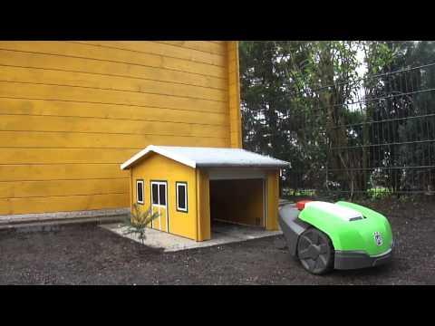 rasenm herroboter r40li parkt in garage doovi. Black Bedroom Furniture Sets. Home Design Ideas