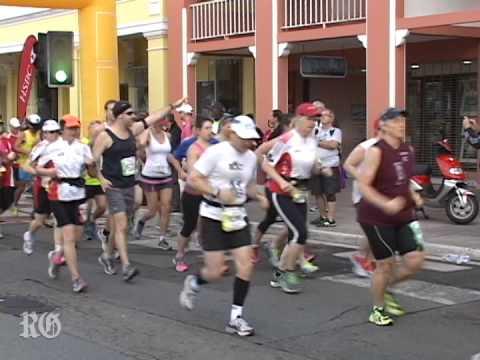 Bermuda Marathon Weekend 2014 - HSBC Bermuda Marathon & Half Marathon