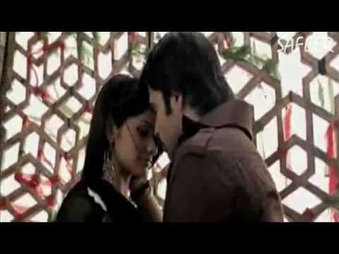 pee-loon-once-upon-a-time-in-mumbai-full-song-hq.flv