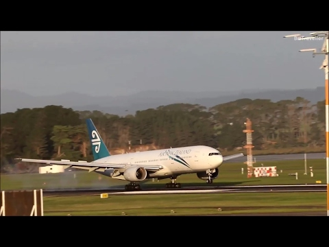 Air New Zealand (Pacific Wave) 777-200ER  arrives from Apia, Samoa.
