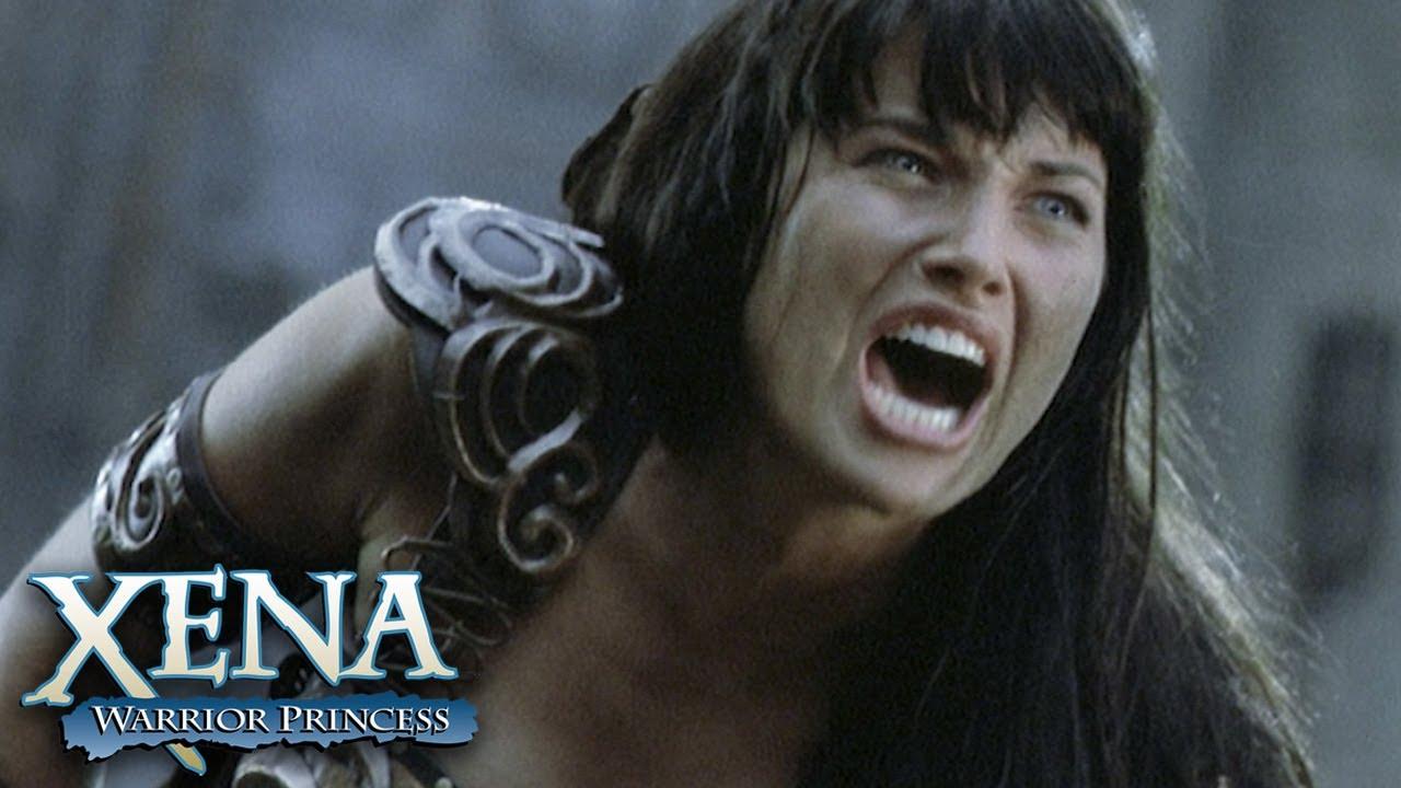 Download Gabrielle Saves Xena's Life | Xena: Warrior Princess