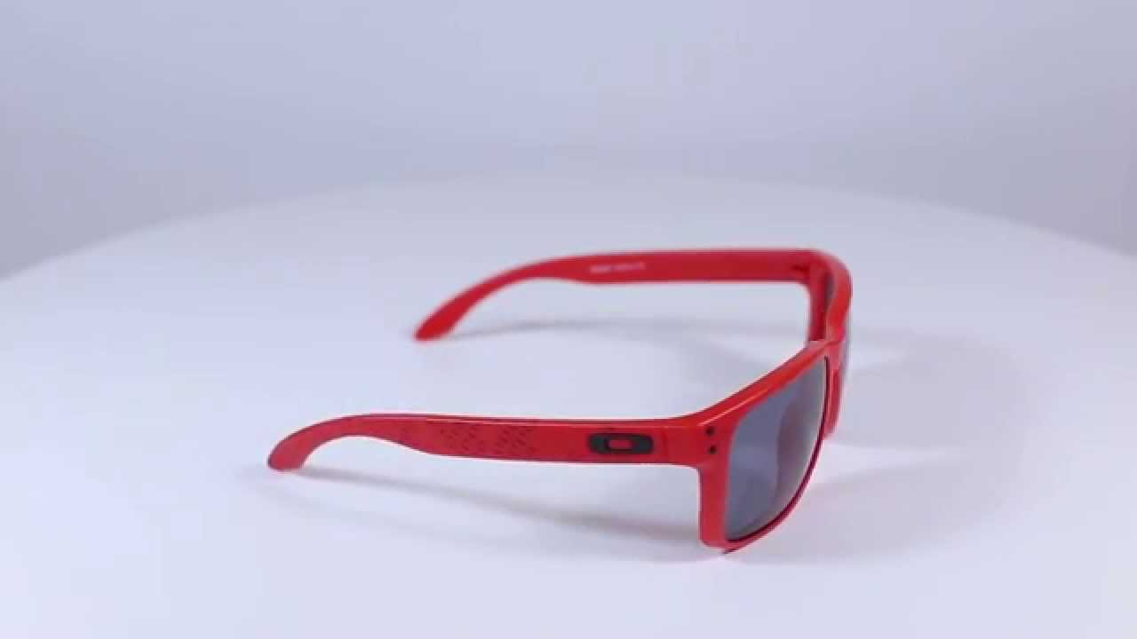 red oakleys  Red Holbrook Oakley - Ficts