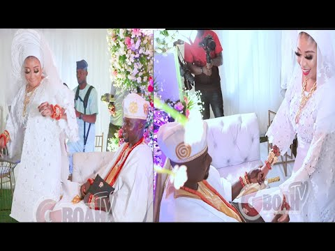 Download So Romantic! See How Actress Lizzy Anjorin Dance (Go Down Low) For Her Husband On Their Wedding Day