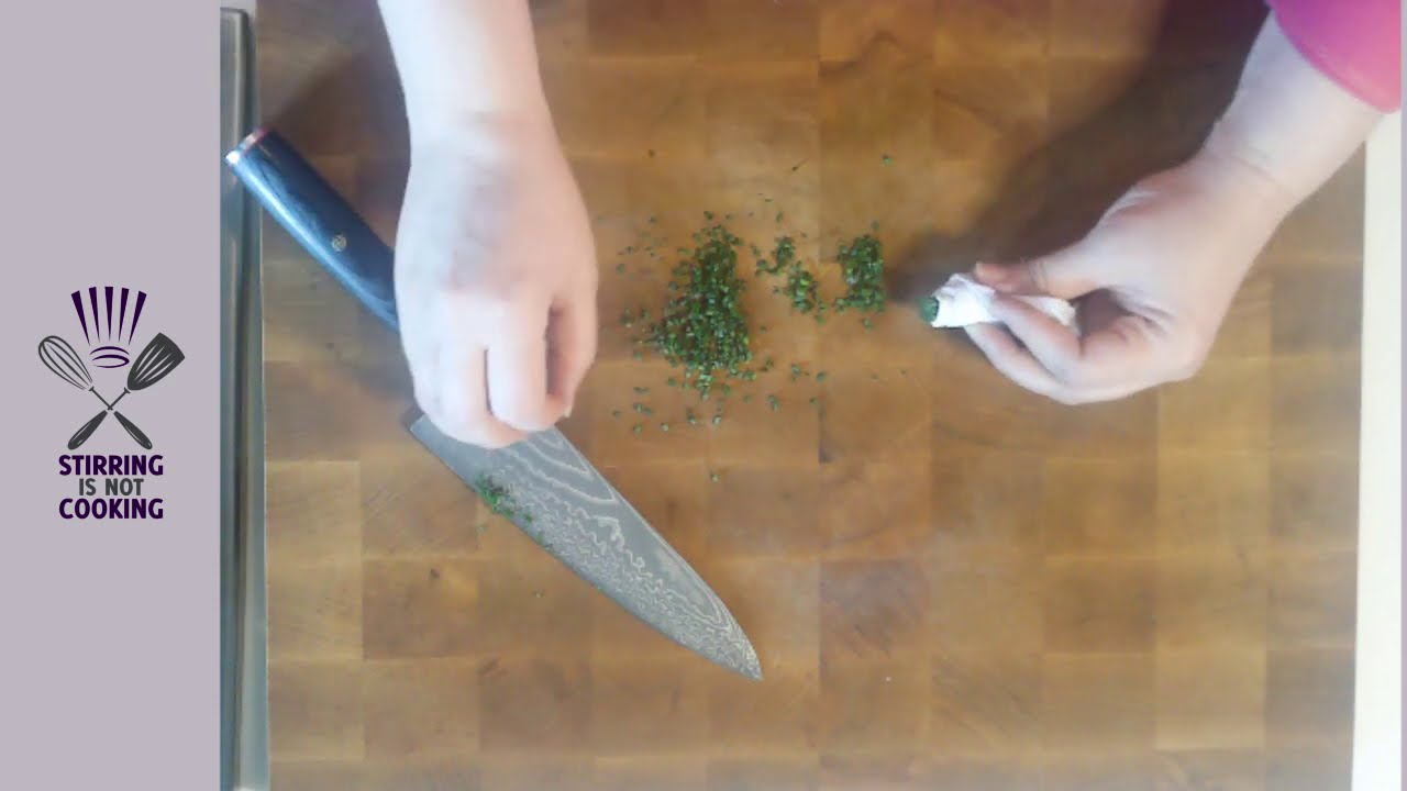 How to Cut Chives