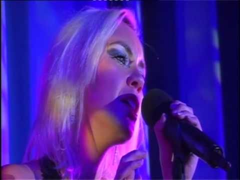 "Annika Rands singing First Time Ever I saw your face - ""Keeping It Live"""