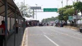Mexican city bars migrant caravan