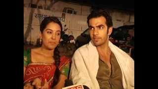 Punar Vivah 2 Zee TV serial shooting. Raj [Karan Grover] & Sarita [Srishty Rode] romance in rain