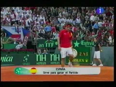 Verdasco-López  vs.  Stepanek- Berdych, 7-6(7), 7-5 y 6-2, España gana su cuarta Copa Davis