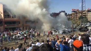 В Турции повышен уровень террористической угрозы после целой серии взрывов, прогремевших в стране.