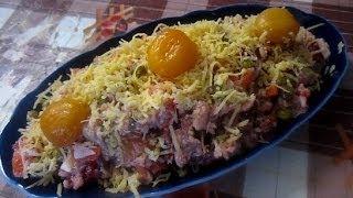 Вкусный куриный салат с вешенками и курагой по домашнему