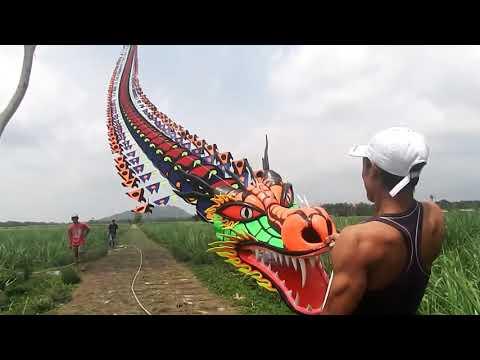 UNIK!!! LAYANG-LAYANGAN RAKSASA YANG ADA DI INDONESIA
