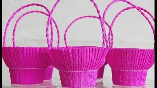 Easy basket for sweets (crepe paper and recycle plastic glass). Great ideas for Christmas treats