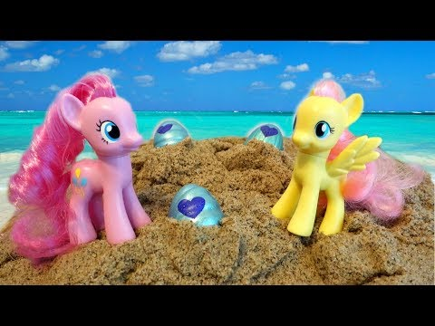 My Little Pony Beach Vacation Hunting For Sea Shells! | Mommy Etc