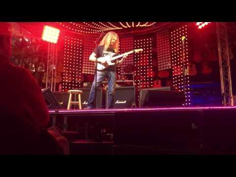 Guthrie Govan live 2017