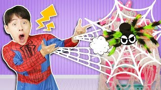 Ahh!! It is a king spider.Pretend Play Cleaning Up Kitchen Toy 으악! 왕거미다.주방놀이 장난감 청소하기 놀이 Mashu Vlog
