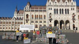 Betétdíjas, újratölthető palackokért lobbizik a Greenpeace