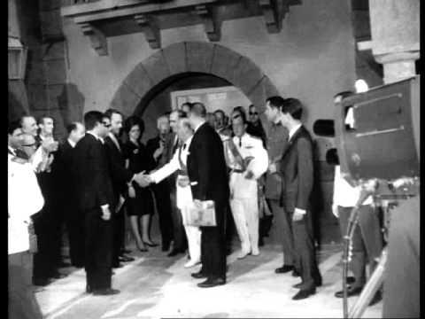 Franco acompa ado de fraga inaugura los estudios de tve - Muebles en prado del rey ...