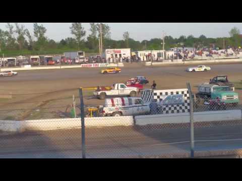 Jamestown Speedway Street Heat#1 - 5/21/16